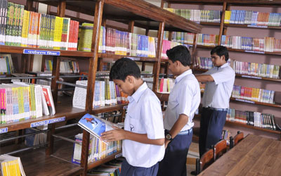well-furnished-school-library